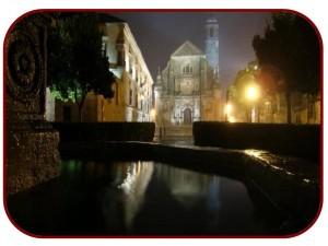 vistas nocturnas de la Capilla del Salvador en Ubeda