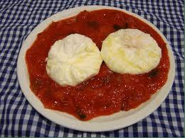 Plato de Pisto con Huevos Fritos