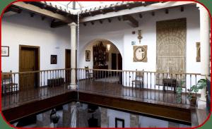 pasillo 300x183 - Hotel Las Casas del Consul