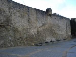 9fz8me 300x225 - La Puerta de Granada, su Tesoro escondido