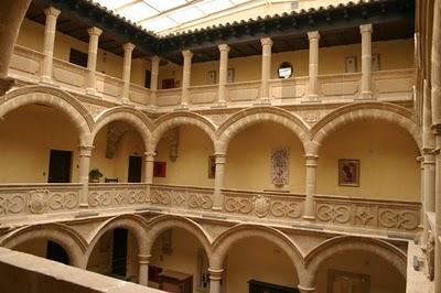 FOTO PALACIO DE LOS SALCEDO PATIO  BAEZA