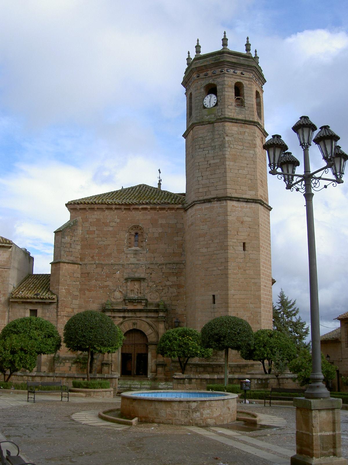Iglesia San Mateo Baños de la Encina - Baños de la Encina y su Castillo.