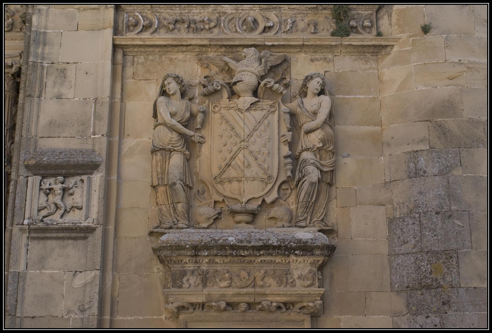 escudo de Maria de Mendoza en la Capilla del Salvador
