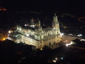 Catedral de Jaen por la noche 300x225 - ABRAZO HUMANO A LA CATEDRAL DE JAÉN