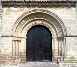 Portada colocada en la Iglesia de la Santa Cruz
