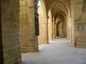 santa maria de los reales 300x224 - El Claustro de Santa Maria en Úbeda