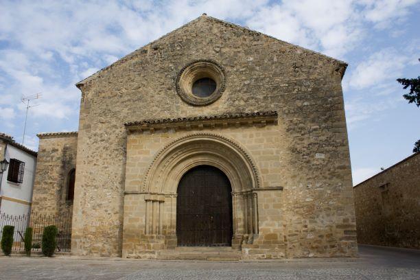 Facha de la Iglesia de la Santa Cruz de Baeza