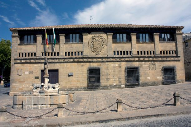 Fachada de las Antiguas Carnicerías de Baeza