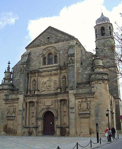 Exterior de la Capilla del Salvador - La Capilla del Salvador, la joya del renacimiento ubetense