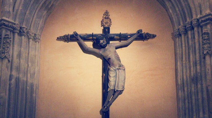 IMG 20200505 202005 830x464 - La leyenda del Cristo de los 4 Clavos