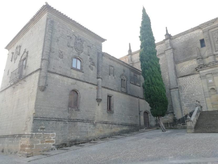 CASAS CONSITORIALES 830x623 - Las Casas Consistoriales Altas